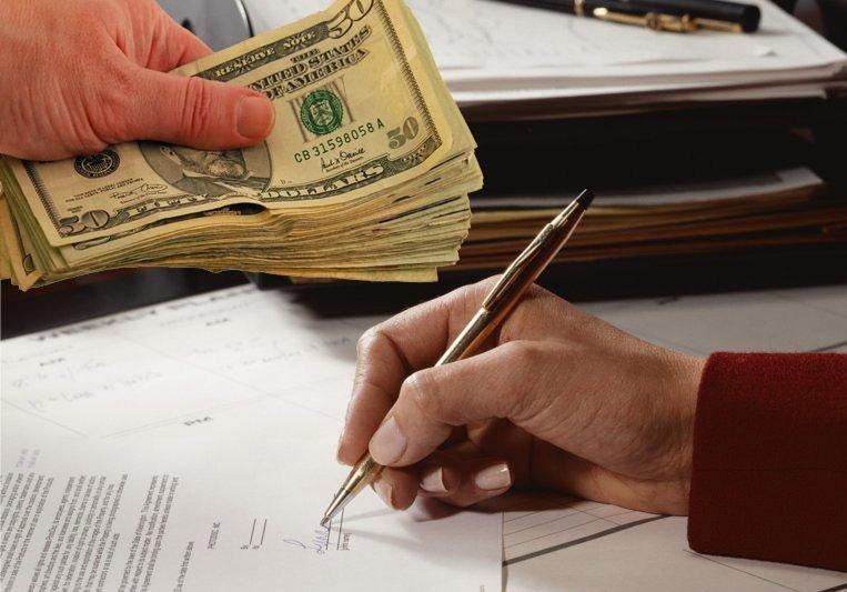Какие документы нужно проверить при съеме квартиры