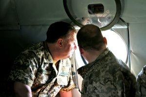 Министр обороны в степях Украины