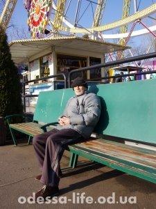 Николай Самуилович приехал в парк, по случаю хорошей погоды – работой общественного транспорта полностью удовлетворён.