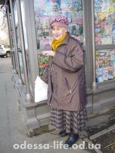 Валентина Николаевна, 81 год, работает медсестрой в поликлинике №2 – каждый день ездит на работу к 8-ми утра.