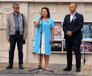 Фестиваль открывает директор — художественный руководитель театра Елена Редько