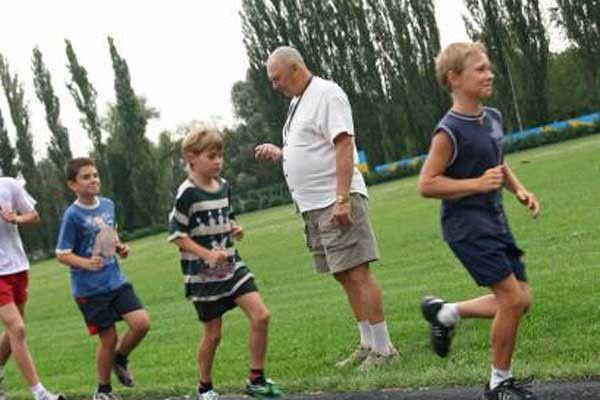 знакомство с детьми на уроке физкультуры
