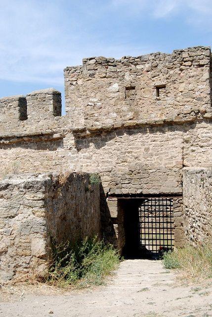 Откуда у Одессы...  Аккерманскую крепость будут восстанавливать.