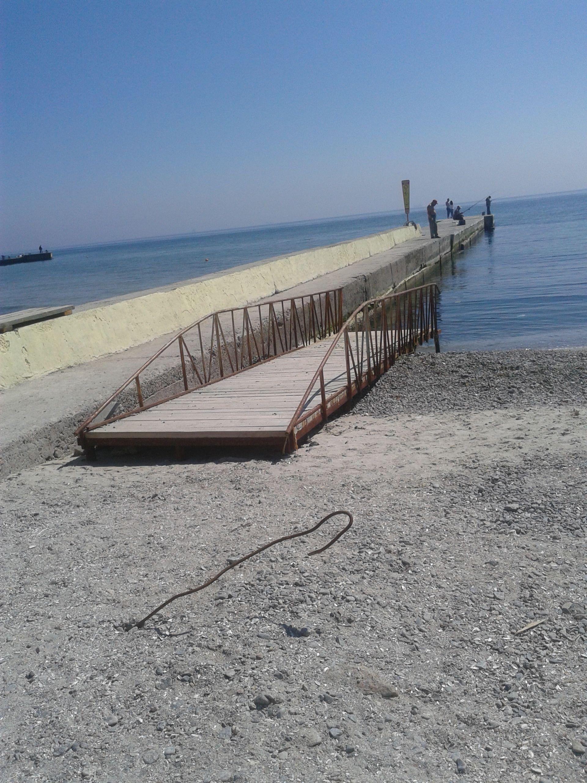Одесский пляж Аркадия издевается над инвалидами