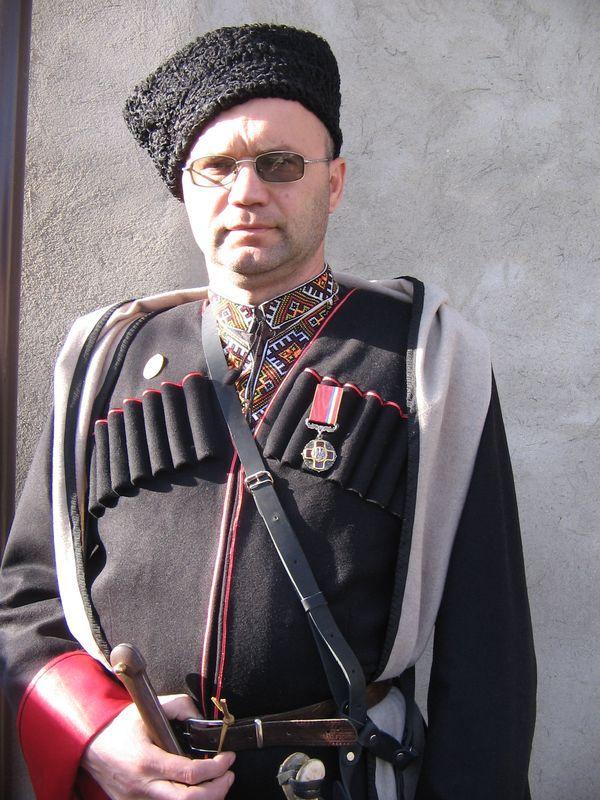 Сергей Гуцалюк в историческом костюме гайдамака