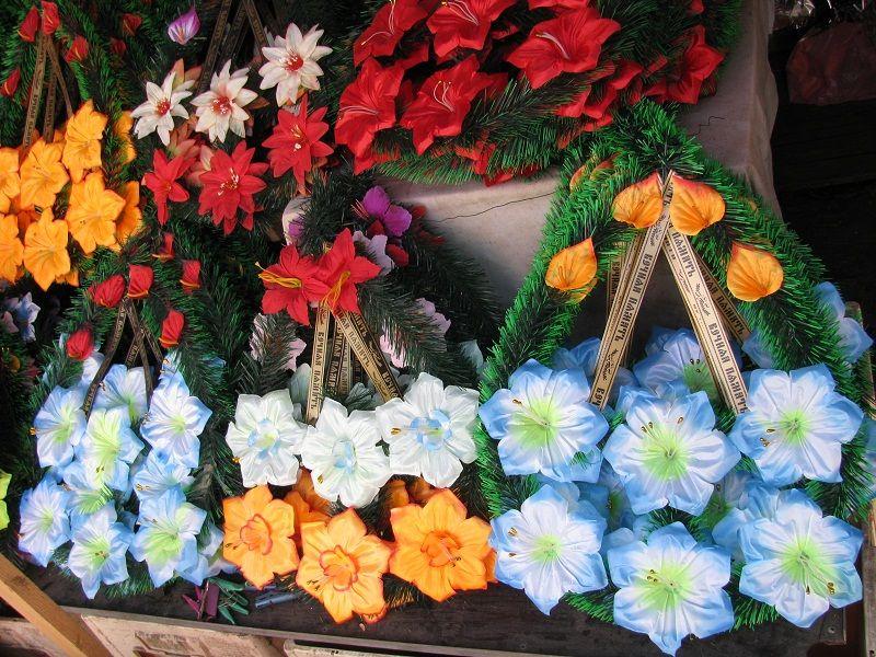 Искусственные цветы для кладбища сделать своими руками