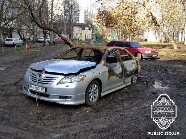 На Черемушках подожгли машину бизнесмена