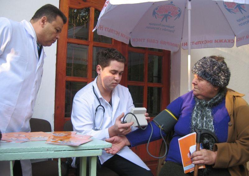 16 октября, с 12.00 до 15.00 на Соборной площади можно будет получить консультацию врачей: терапевта, невролога...