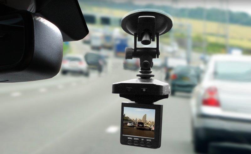 Каким должен быть автомобильный видеорегистратор?