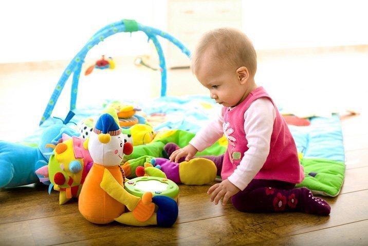 Какие игрушки нужны малышу?