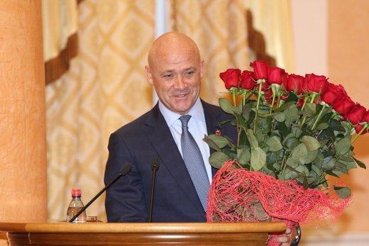 """Труханов забыл про присягу на сессии и шутил, что """"можно идти на Привоз с цветами"""""""
