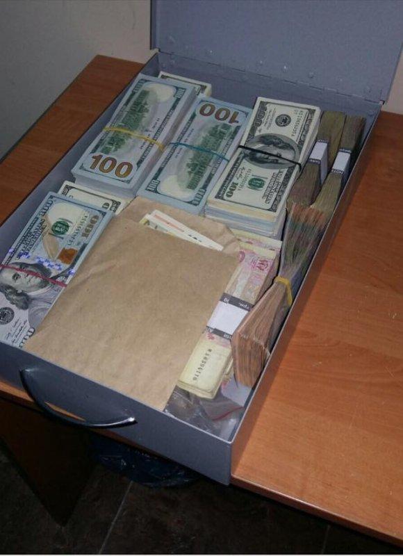 Матиос показал сокровища коррупционера в Одессе (ФОТО)