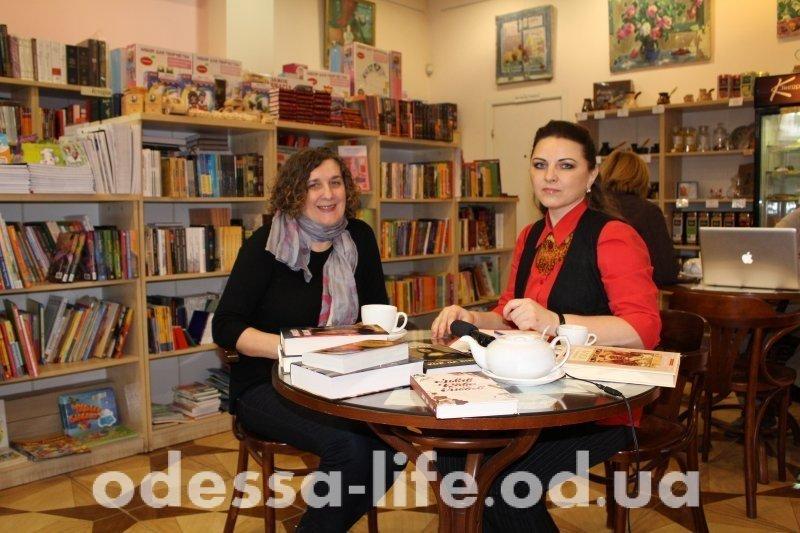 «Книжное эмбарго»: Стоит ли вводить запрет на книги российских издательств?