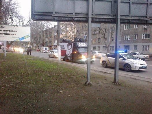 Полициейские заблокировали «Дарт-мобиль», который используют в агитации против Саакашвили (ФОТО)