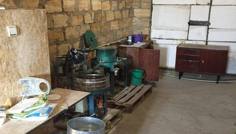 В Одесской области разоблачили подпольный цех по обработке янтаря (ФОТО)