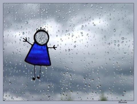 Одесситам советуют без зонта из дому не выходить