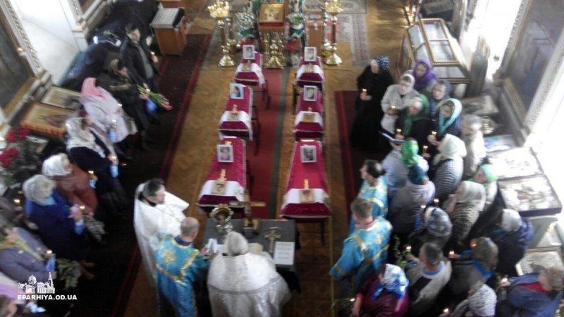В Шабо похоронили погибших шестерых детей (ФОТО)