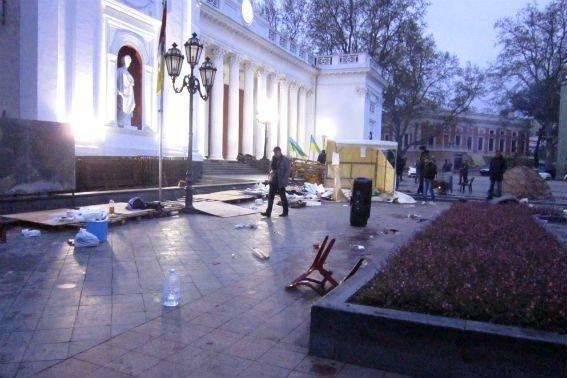 В полиции расследуют разгром Антитрухановского майдана