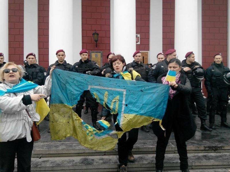 Итоги дня: кто организовал разгон Антитрухановского майдана и кто просит президента ввести в Одессу внутренние войска
