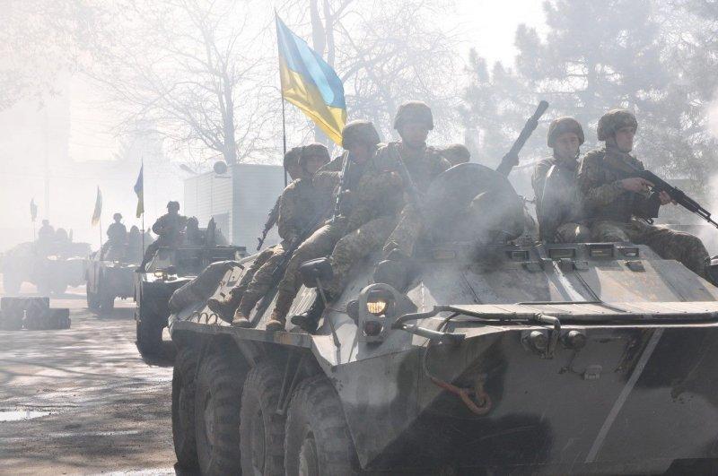 Военные показали мускулы перед 2 мая (ФОТО)