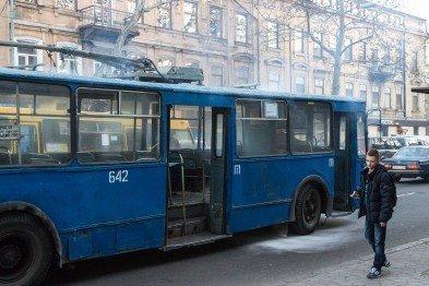 Где пропадает десятый троллейбус?