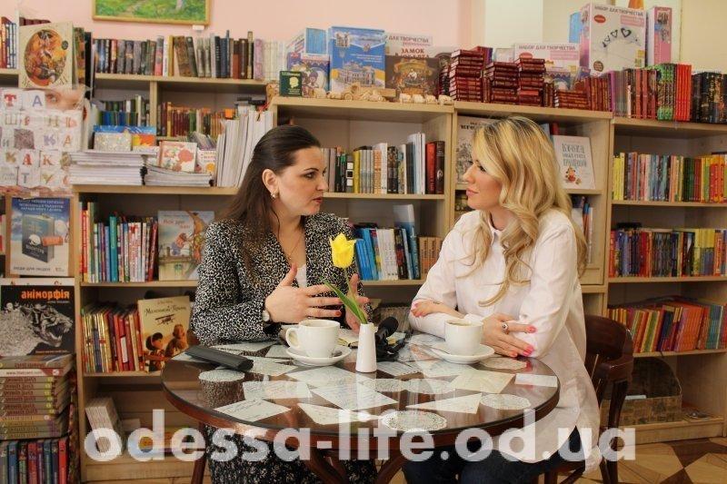 Анастасия Букина пишет книгу и обучает вокалу (ВИДЕО)