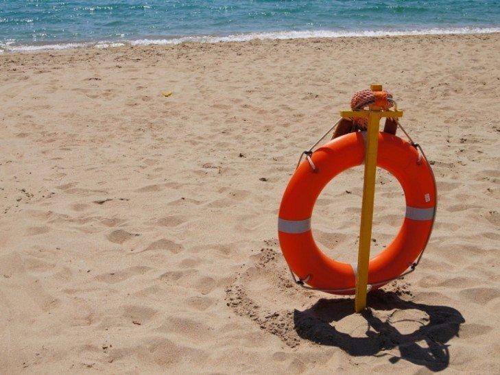На пляжах открывают спасательные посты