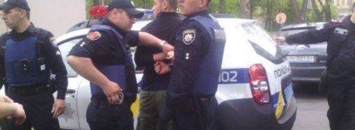 В Одессе задержали «азовца» – сорвал с провокатора георгиевскую ленточку (ФОТО; ОБНОВЛЕНО)