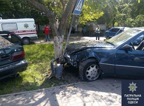 Авария на Маршала Жукова: 2 женщины попали в больницу (ФОТО)