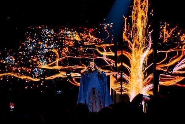 После эмоционального выступления Джамалы на Евровидении зал взорвался аплодисментами (ВИДЕО)