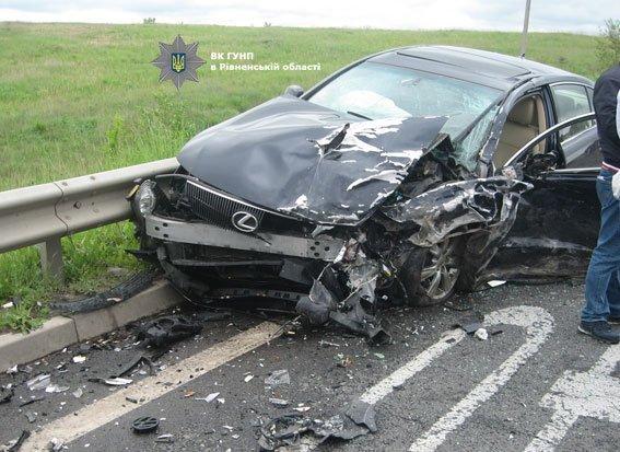 Авария на автодороге Киев-Чоп: пострадали двое одесситов (ФОТО)
