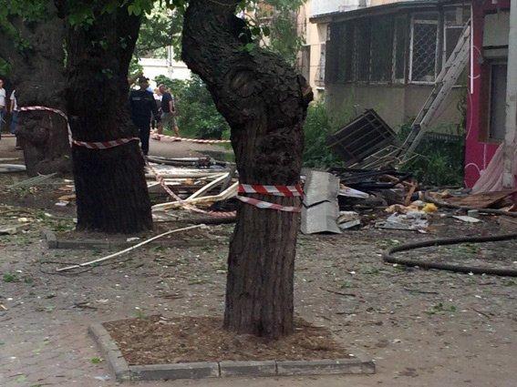Взрыв на Посмитного: погиб мужчина-инвалид, девочка в реанимации (ФОТО; ВИДЕО)
