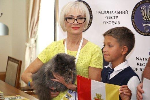 Одесский кот прославился на всю Украину (ФОТО)