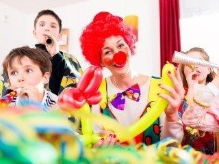 Детям обещают песни, танцы, игры и сладости