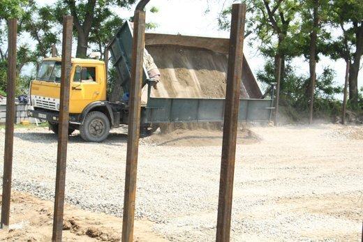 На Трассе здоровья работает строительная техника (ФОТО)