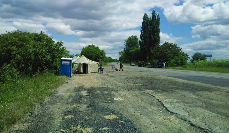 Палатка на трассе Одесса-Рени уже установлена, но сам Саакашвили до нее не добрался