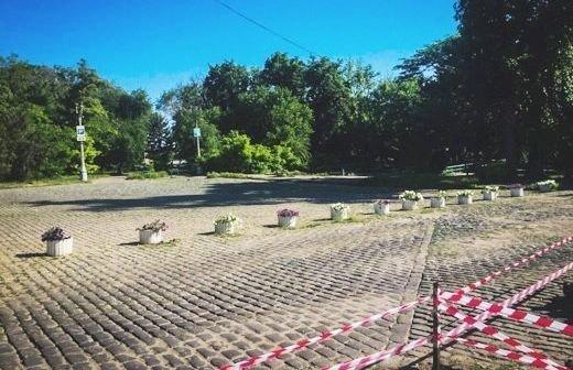 Новая схема паркования на Ланжероне: шлагбаум у арки демонтировали (ФОТО)