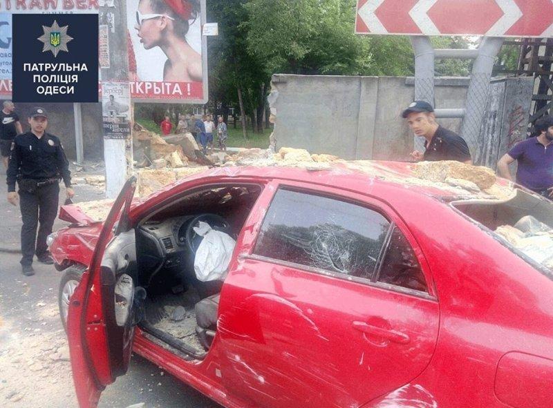 Патрульные показали зрелищную аварию с мажором (ФОТО)