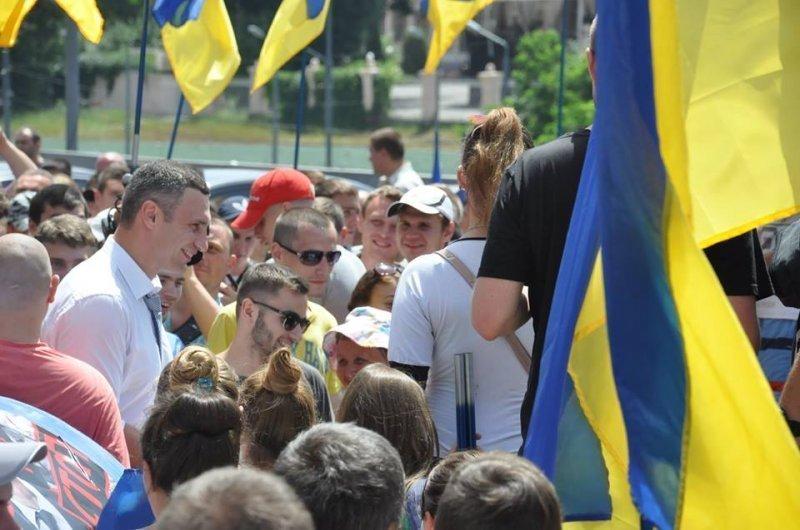 Кличко проигнорировал митингующих одесситов (ВИДЕО)