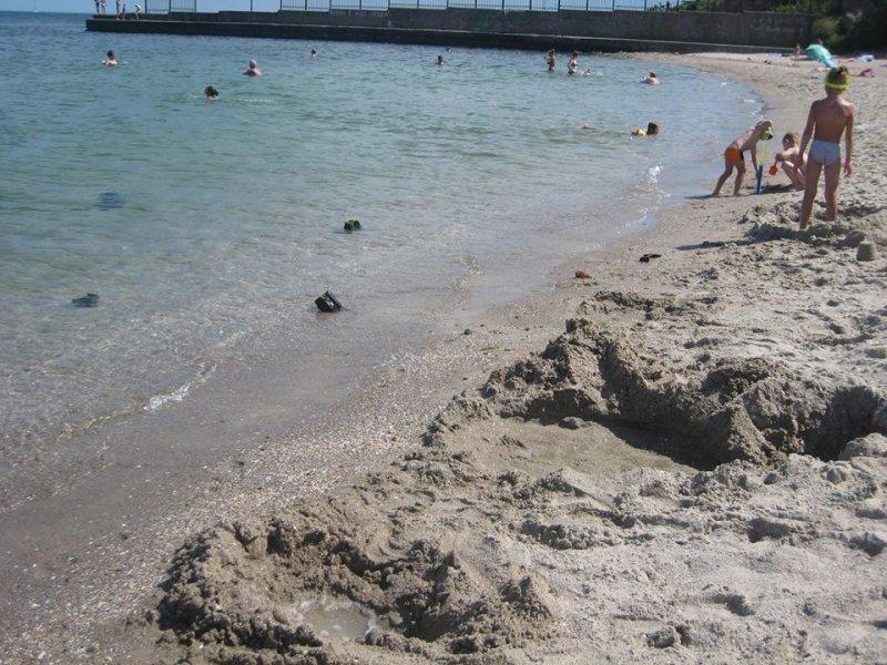 Поход на одесский пляж может закончиться кровавыми последствиями (ФОТО)