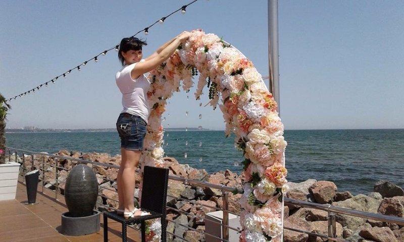 Китайские розы из Усатово: Чем удивляет одесситов цветочный рынок? (ФОТО)