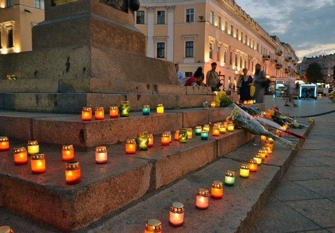 Вчера одесситы почтили память погибших под Иловайском