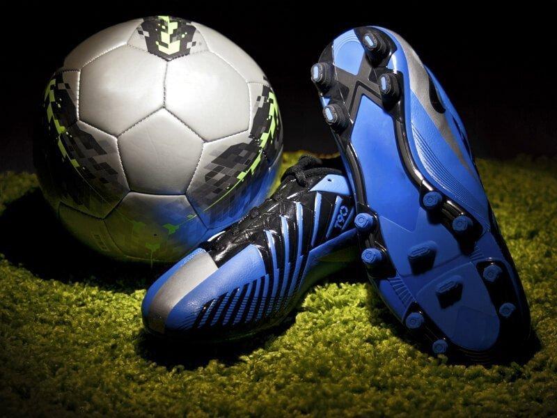 Как подобрать удобную пару обуви для игры в футбол