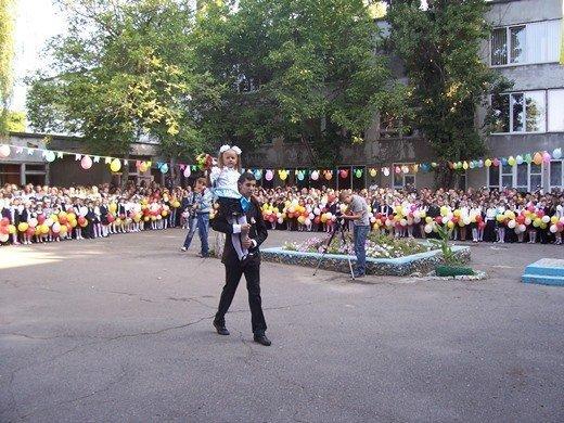 В Одессе с гимназистов собирают по 500 гривен на экзамены