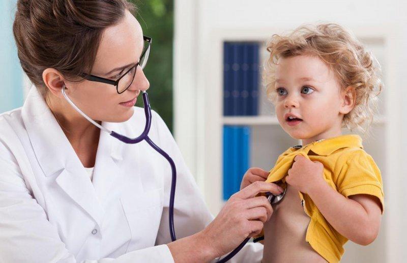 Когда вести ребенка к иммунологу?