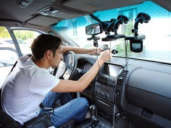 Преимущества автомобильного видеорегистратора