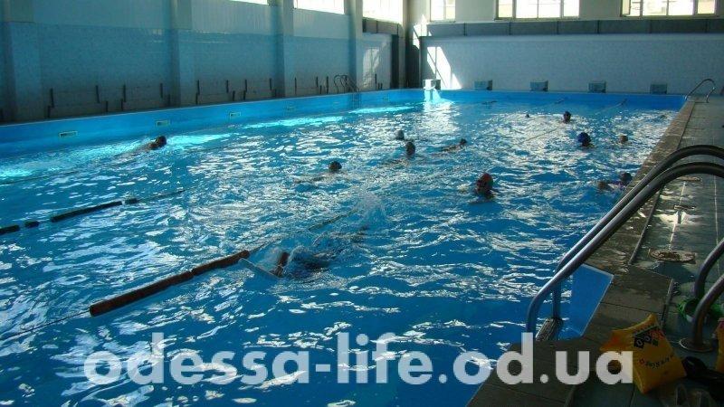 Где в Одессе можно поплавать зимой?