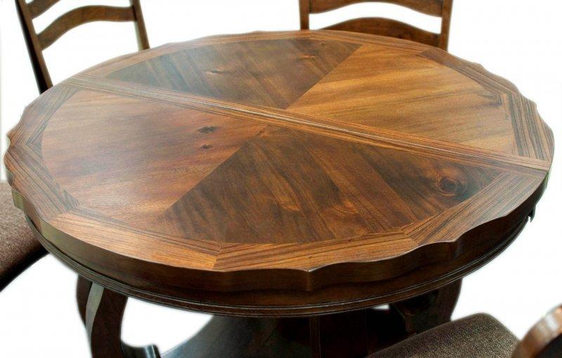Круглый кухонный стол: практично или нет?