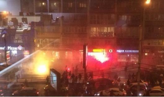 Фанаты «Динамо» громили центр Киева и напали на турков (ФОТО, ВИДЕО)