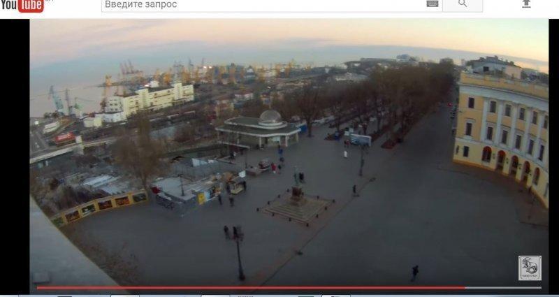 Безбашенные руферы прогулялись по крышам Приморского бульвара (ВИДЕО)